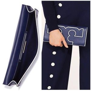 Tory Burch Serif Clutch